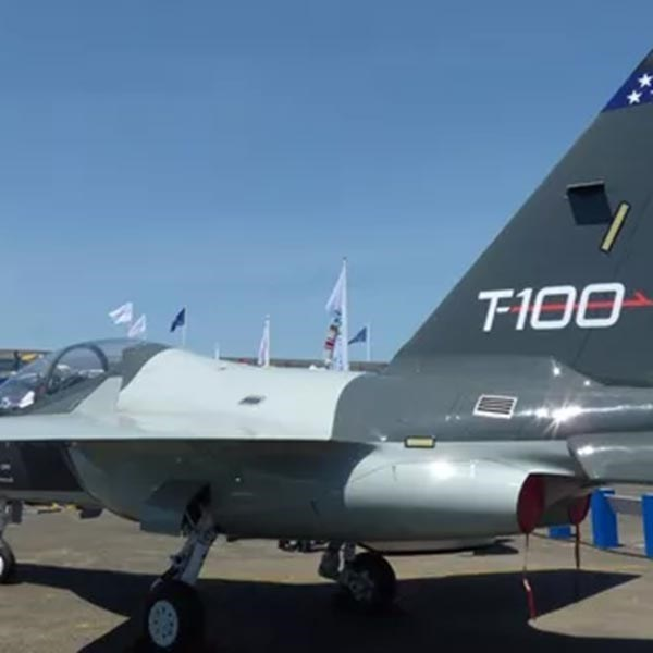 T-100 trainer aircraft for T-X program